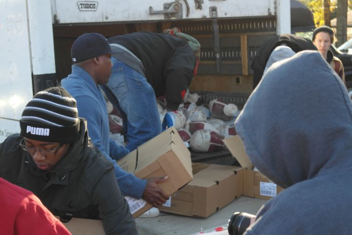 MAJIC 107.5/ 97.5 Annual Turkey Giveaway with The Steve Harvey Morning Show