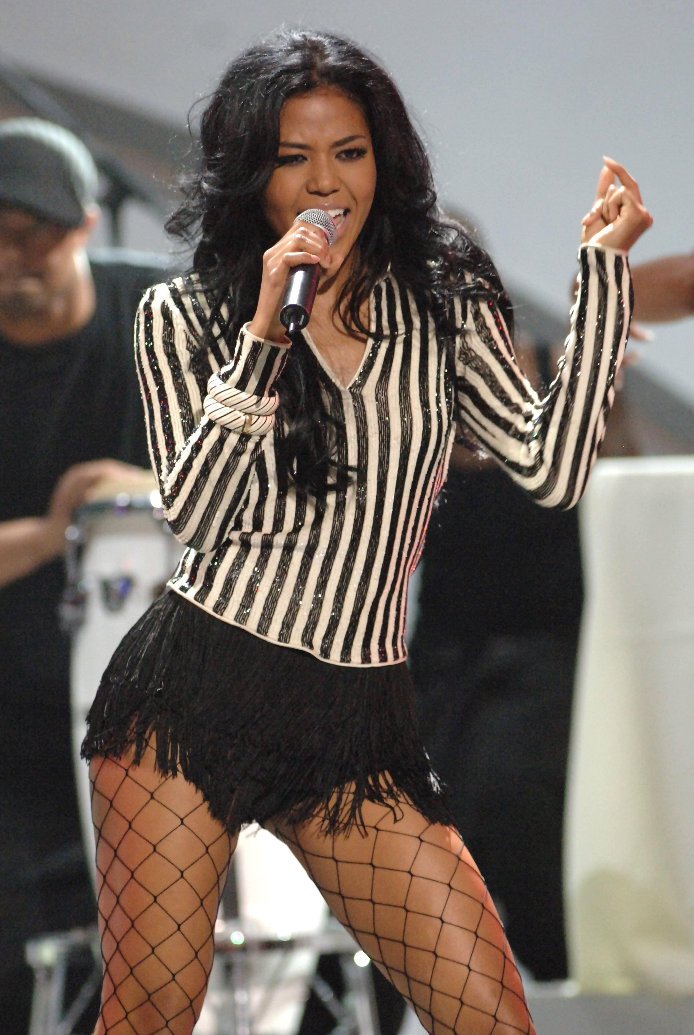 Amerie began dating her manager lenny nicholson
