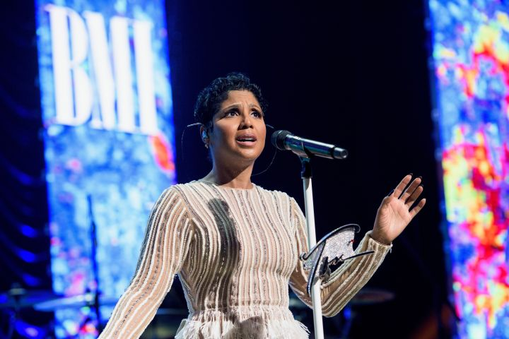 Toni Braxton performing 3 at 2016 BMI R&B/Hip-Hop Awards
